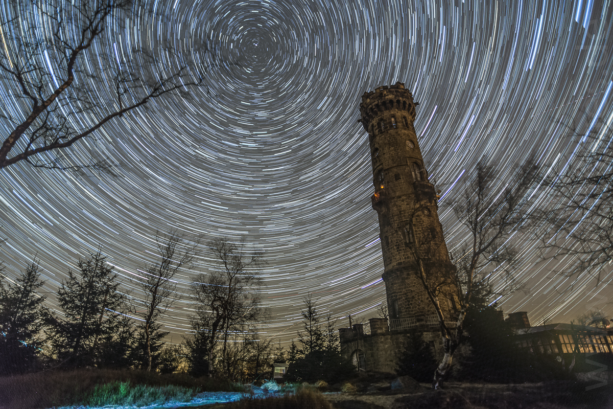 Schneeberg_Turm_6D_20mm_100x10s_ISO1250_30122013