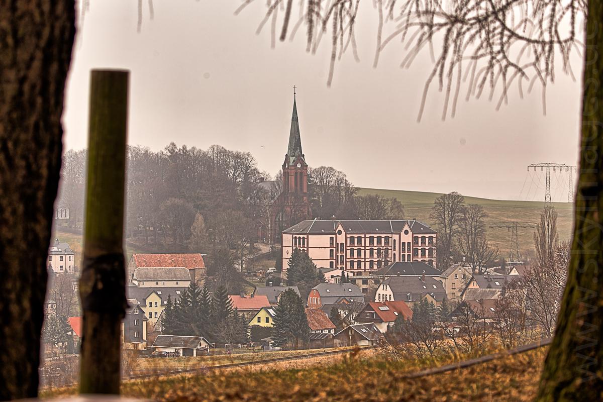 Hohndorfer Kirche und Schule